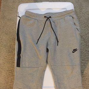 Nike tech fleece sweatpants men's size Large